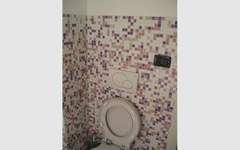 mosaico colorato bagno