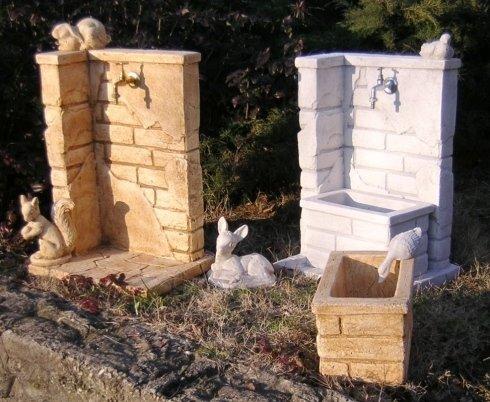 fontane muretto con animali