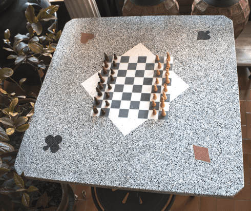 tavolo mosaico scacchiera