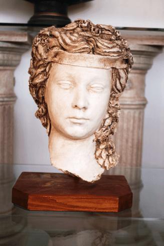 'dea greca con supporto