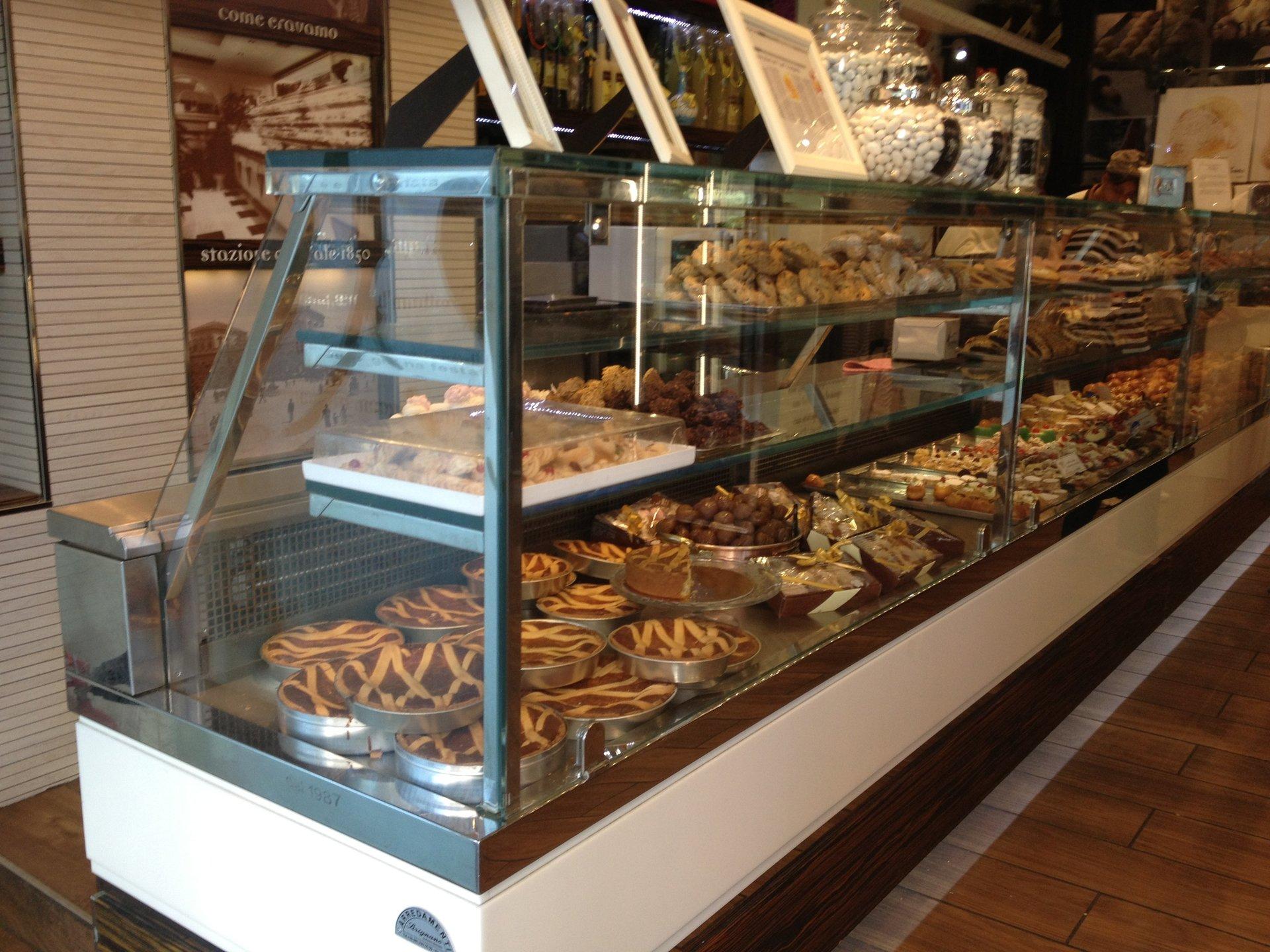 bancone per gelaterie e pasticcerie Sirignano