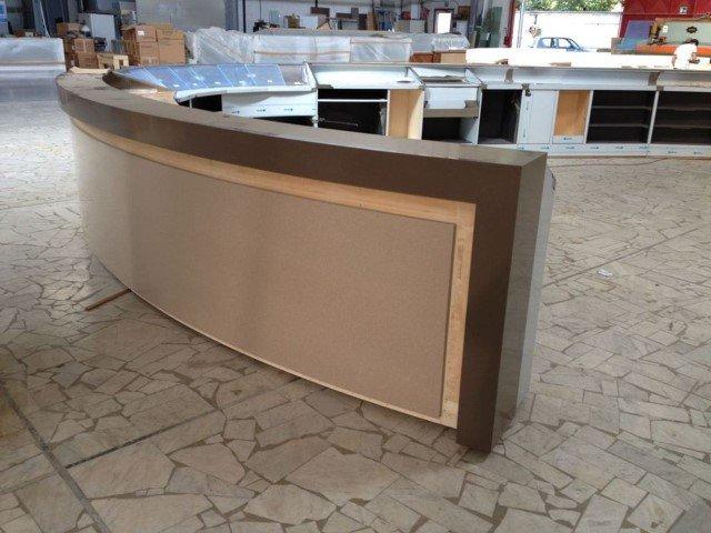 banconi da bar, per negozi e ristoranti Sirignano