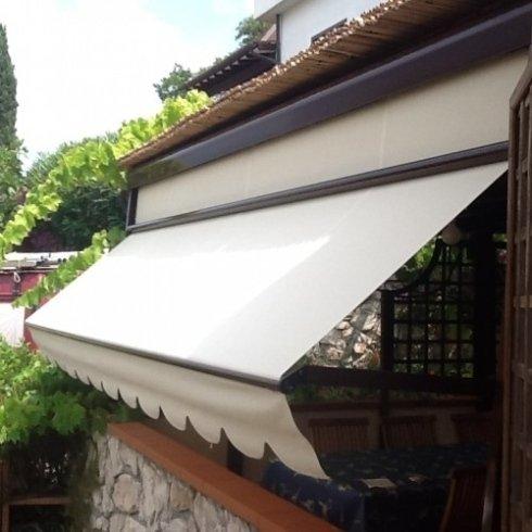 tenda verticale inclinabile