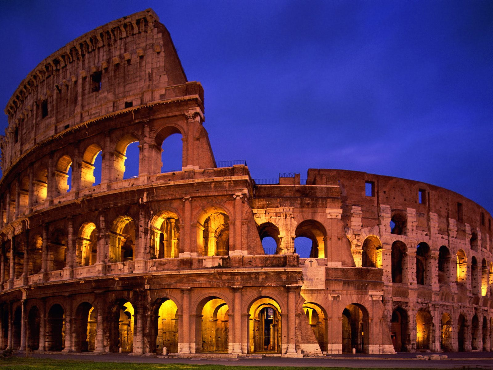 Hotels near The-Colosseum-Rome-Italy