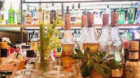 Bottiglie con tappi di sughero