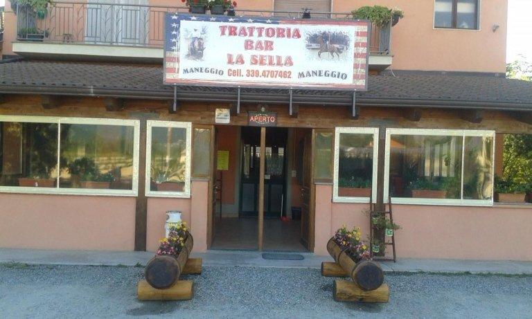 trattoria e maneggio La Sella