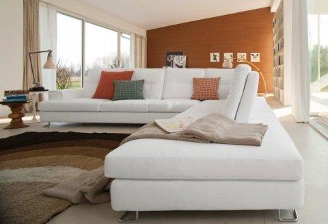 il letto forma rotonda di color bianco