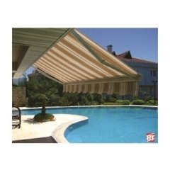 tenda da sole su piscina