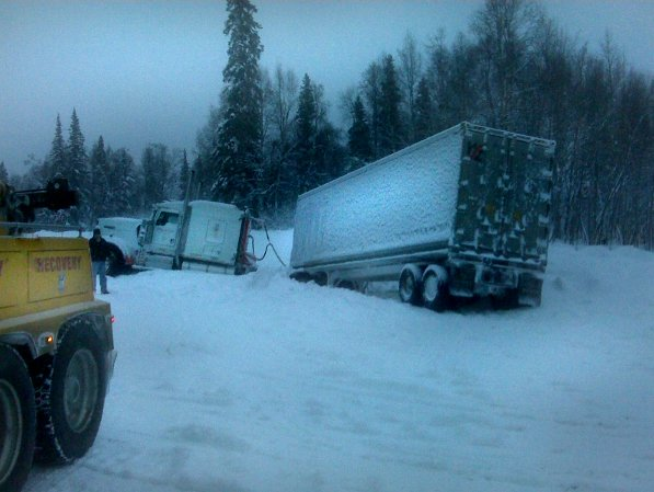 Semi truck in need of heavy towing service in Anchorage, AK