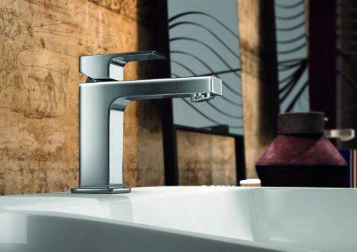 rubinetto di una vasca da bagno