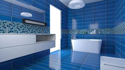 Bagno piastrellato blu