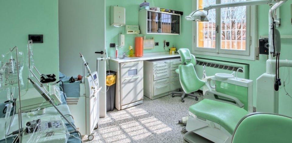 studio dentistico bologna