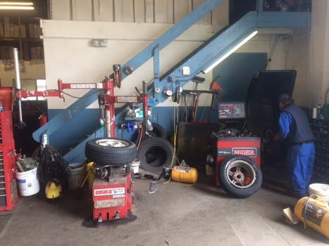Equipment used for automobile servicing in Anchorage