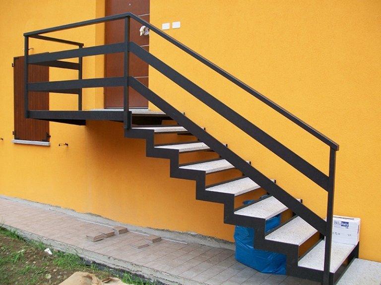 scale esterno in ferro