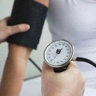 misurazione della pressione arteriosa, misurazione pressione del sangue, servizio misurazione pressione del sangue in farmacia, Rieti