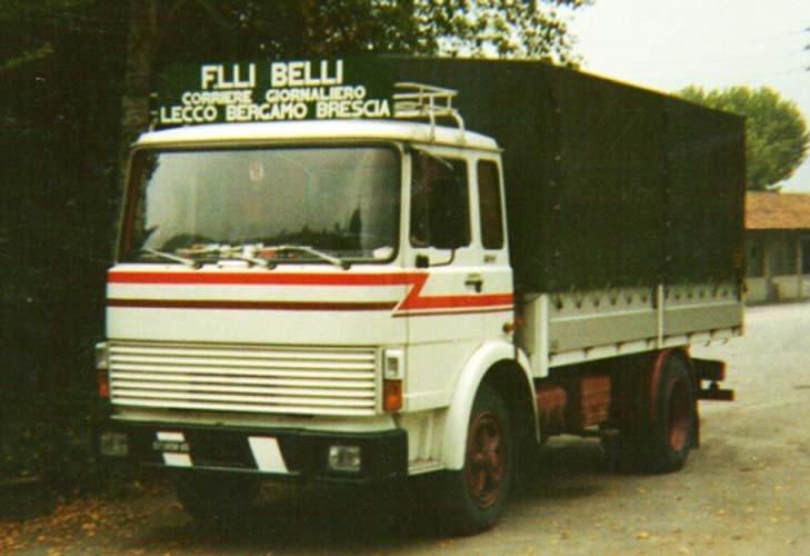 Foto di un camion aziendale alcuni anni fa