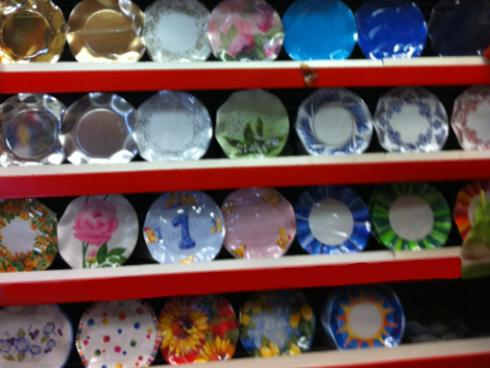 lu.ma carta genova piatti di plastica colorati