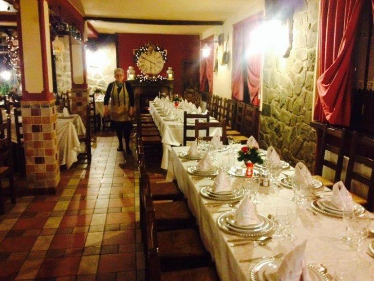 Il ristorante de La Tempestosa viene prenotato per il festeggiamento di cerimonie.