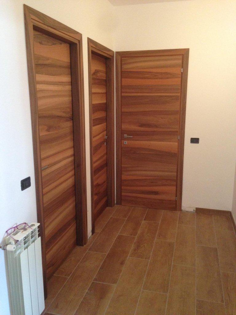 porte in legno di noce nazionale