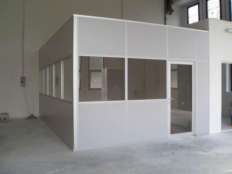 Tramezzi in legno alluminio o vetro milano andreiflex for Pannelli divisori ufficio