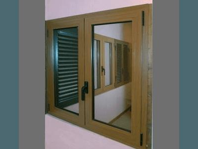 Finestra a due ante taglio termico finto legno