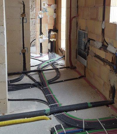 Impianto elettrico con fili a terra