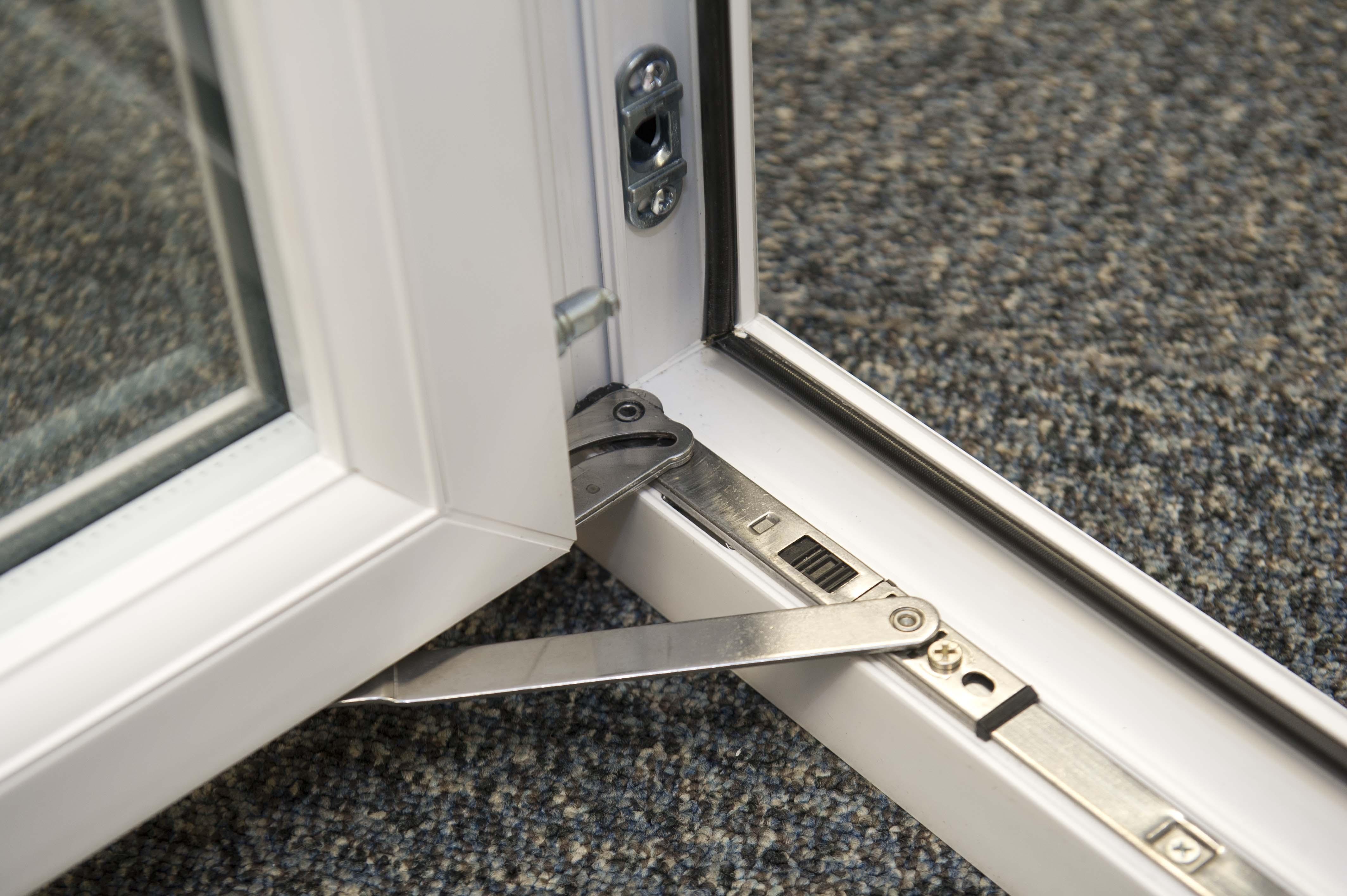 door closing accessory