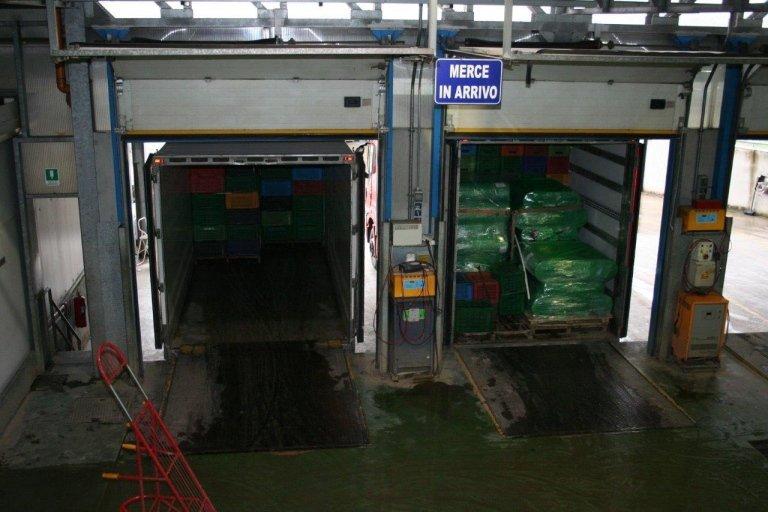 Azienda Agricola Cerbone trasporto ortaggi con autocarri propri