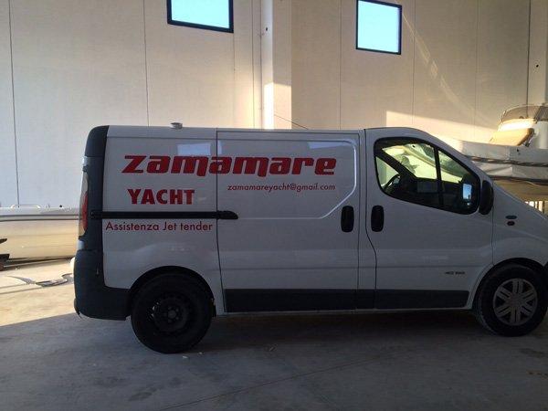 vista laterale furgone ZAMAMARE