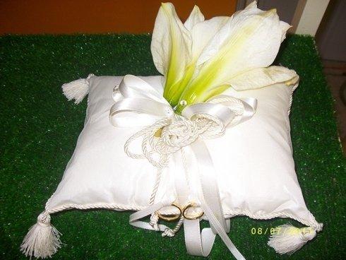 cuscino per fedi con fiori