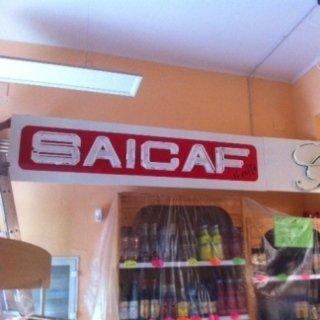 un'insegna con scritto Saicaf