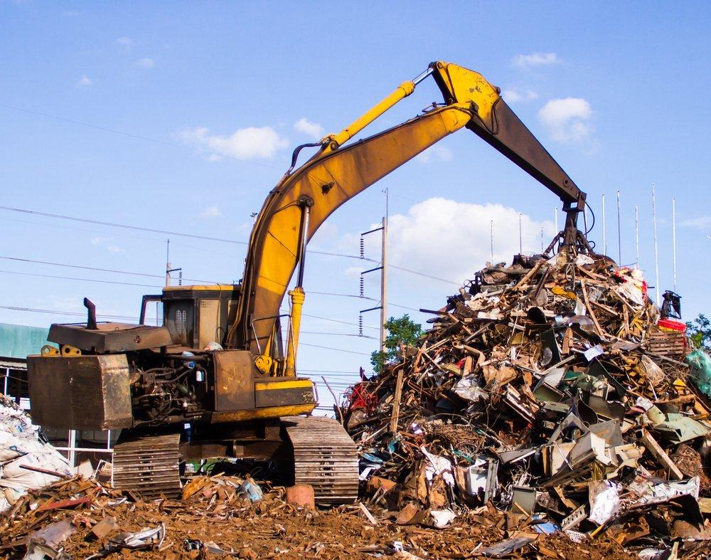 gur durante riciclo dei rifiuti di legno