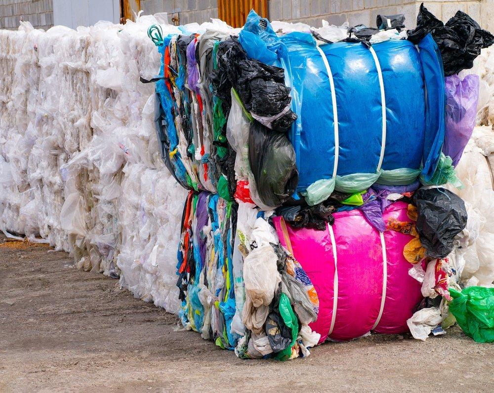 Rifiuti di plastica e altri tipi di riciclaggio