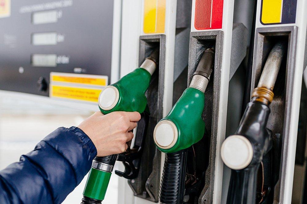 Riempimento della pompa di benzina