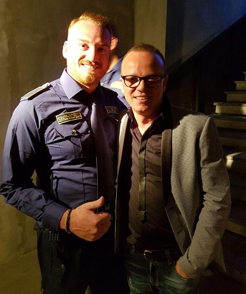 bodyguard con noto cantante napoletano