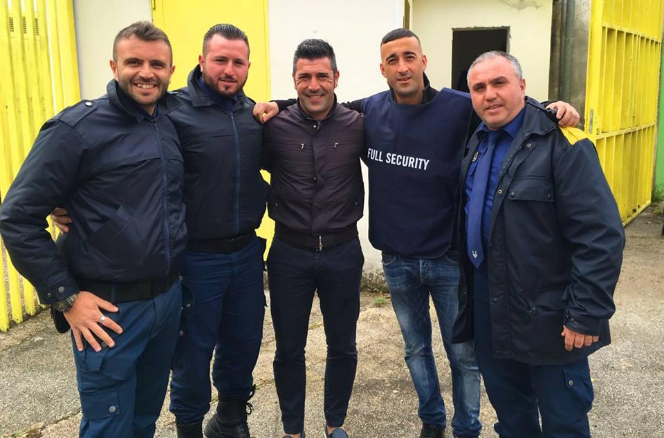 cinque uomini