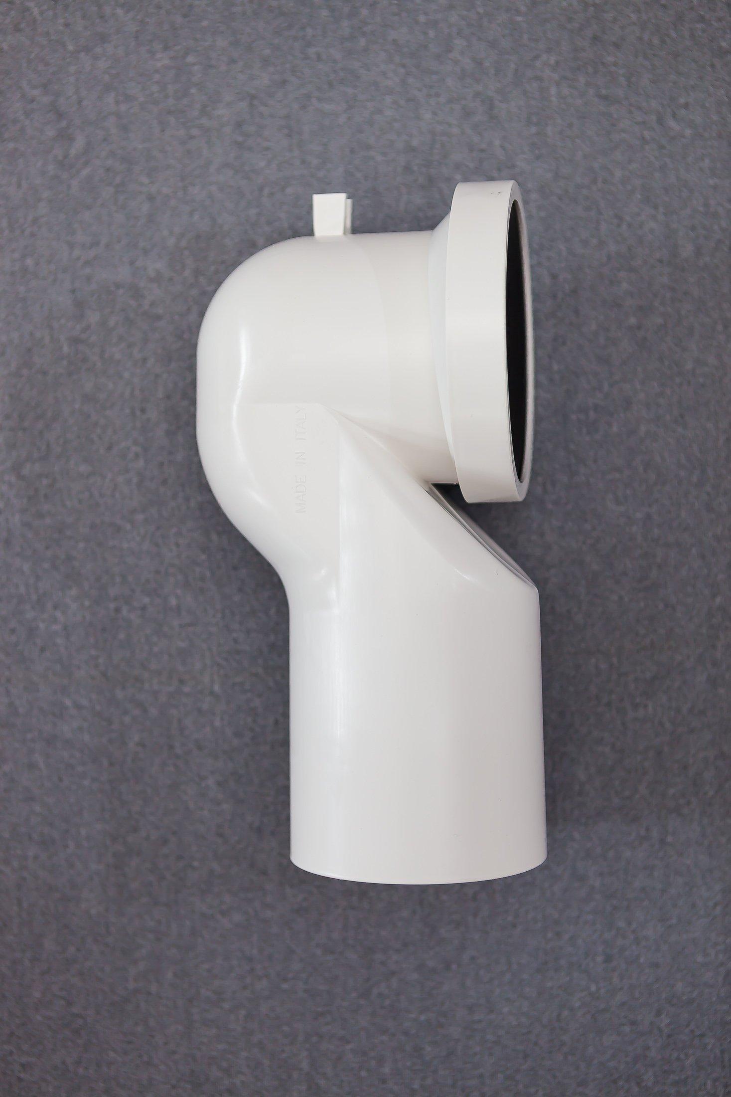 componente in plastica per tubazione idraulica