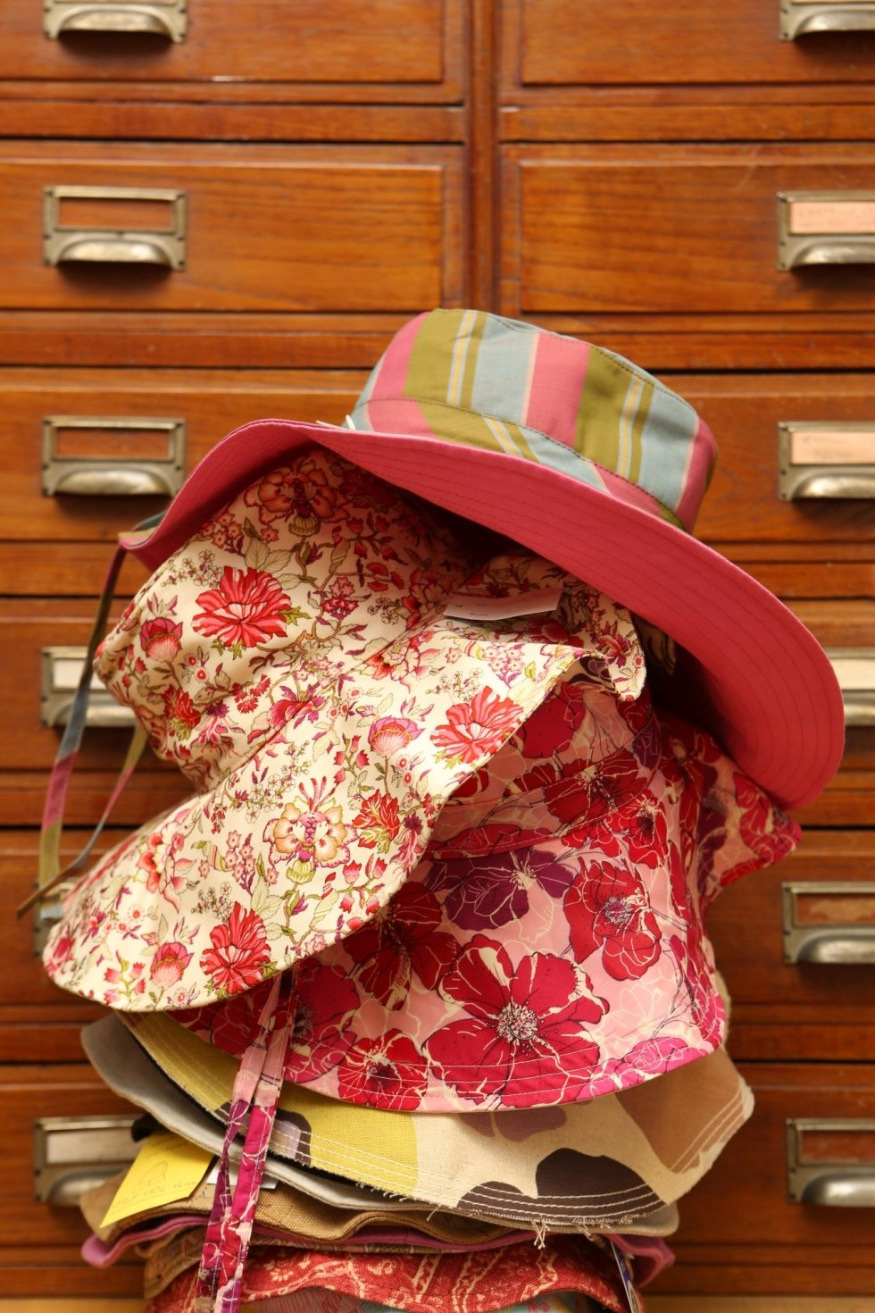 Cappelli in tela da donna