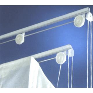 Sistema per tende a pacchetto comando a catenello