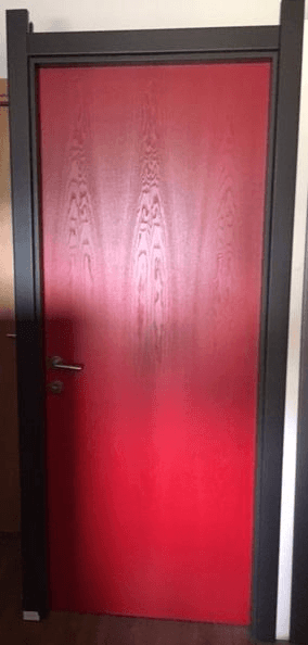 porta frassino laccata rossa 80 x 210 € 200