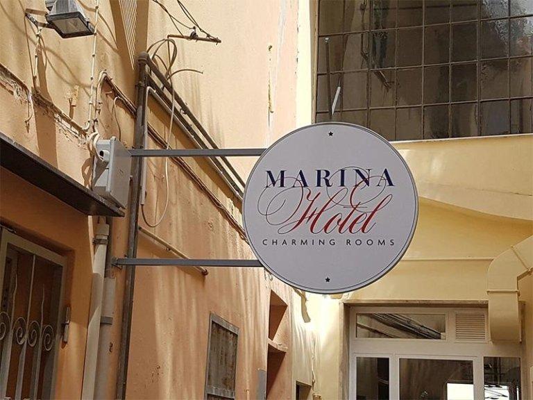 Insegna hotel Marina