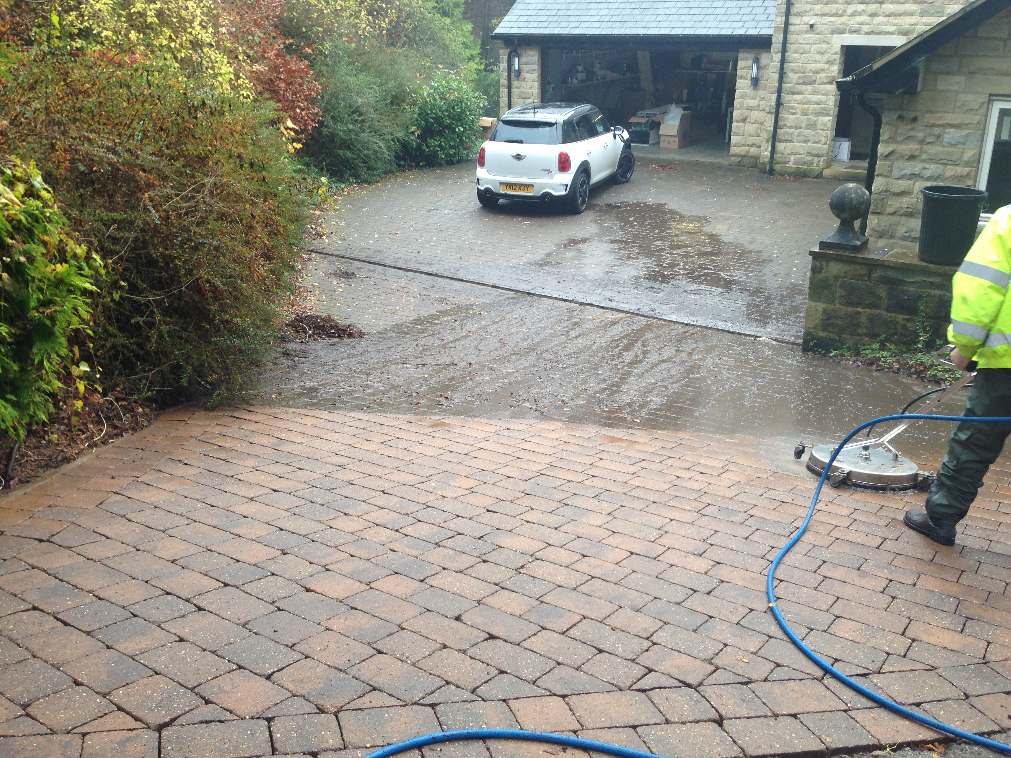 Harrogate patio driveway cleaning for Patio cleaning solution