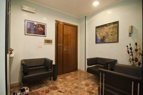 sala di attesa riparazioni protesi a Roma
