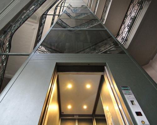 Ascensore moderno residenziale
