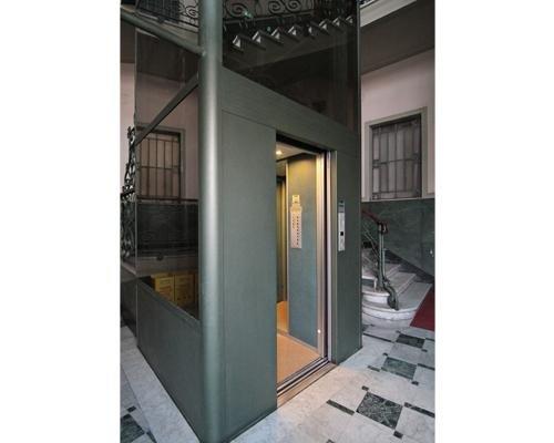 Dettaglio ascensore moderno