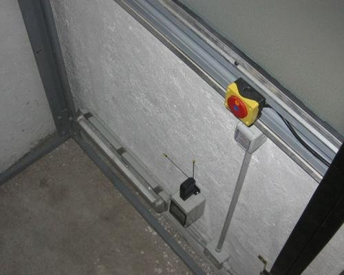 Pulsante di sicurezza ascensore