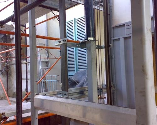 Installazione struttura ascensore