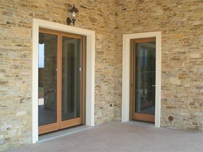 production de châssis de portes et de fenêtres