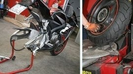sostituzione gomme moto, moto da strada, sostituzione pneumatico moto posteriore