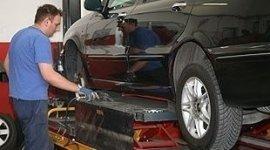 carrello sollevatore per auto, pistola svita bulloni, sostituzione gomme auto utilitarie